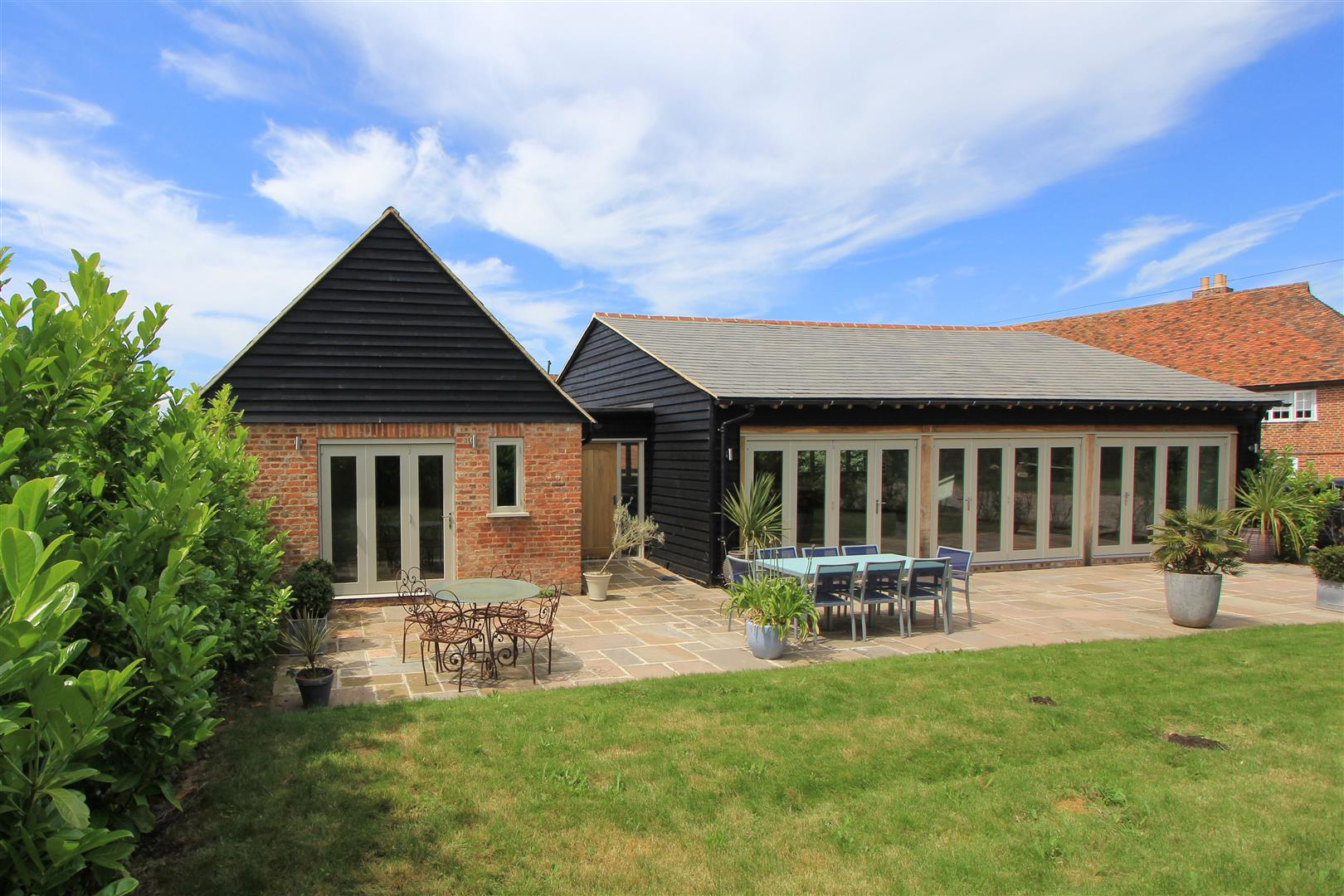 5 Bedrooms Detached Bungalow for sale in 11 Honey Hill Farm, Blean, Canterbury